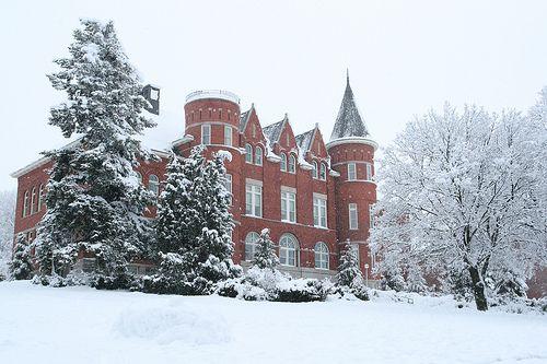 Washington State University - Top 15 Online Hotel and Hospitality Management Degree Programs
