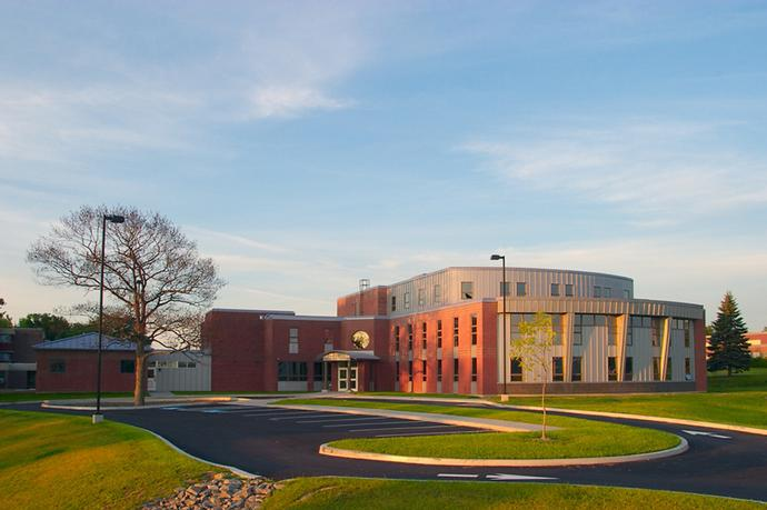 Eastern-Maine-Community-College-small-hospitalty-administration