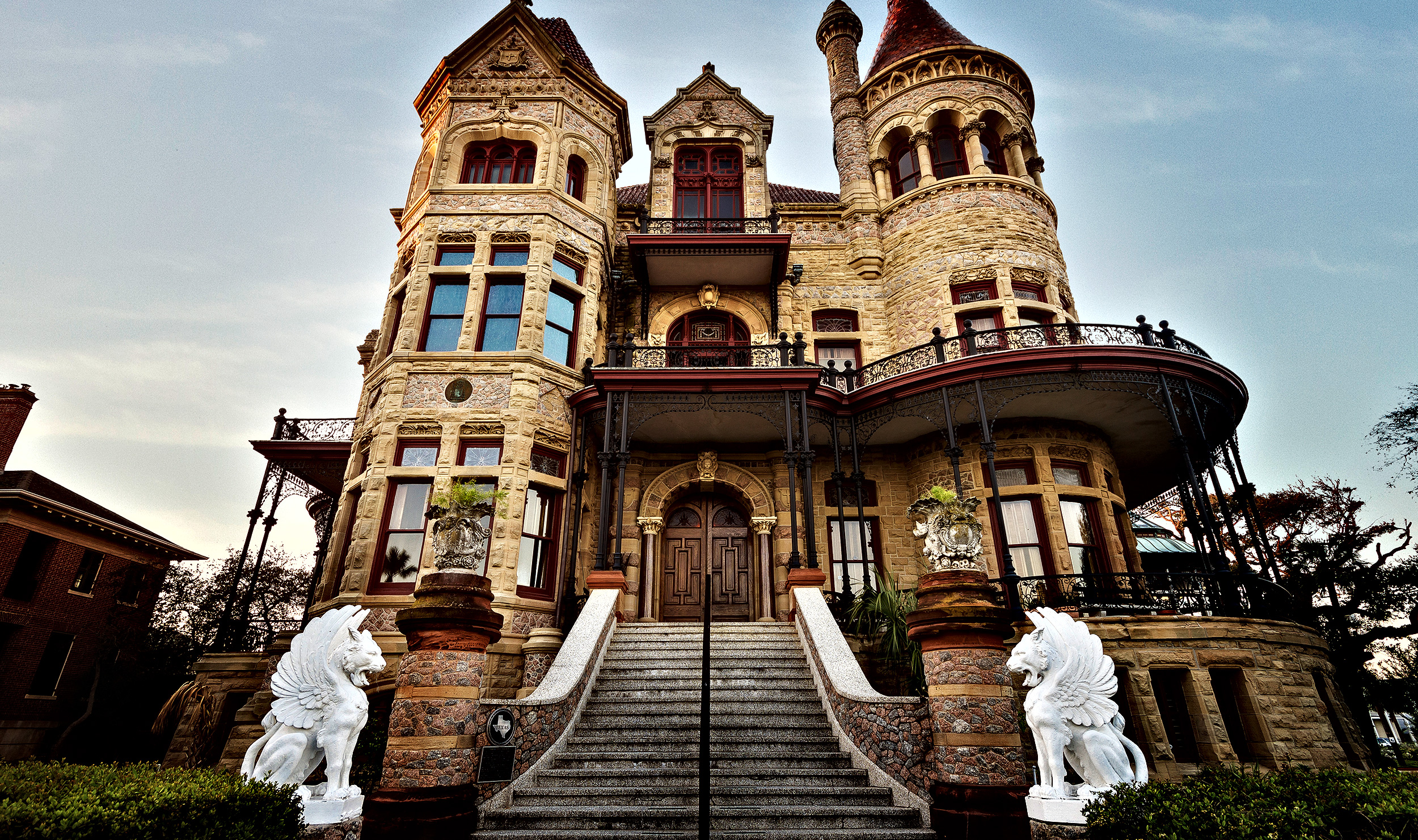30 most incredible castles in america best hospitality for The bishop house