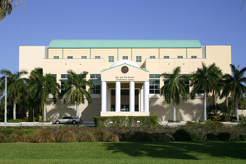 Florida International University - 15 Online Hospitality Management Bachelor's Degree Programs