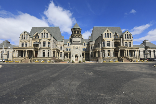30 Most Haunted Buildings in America - Best Hospitality ...